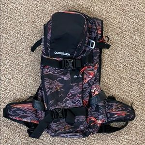 Quicksilver snowboarding/hiking backpack